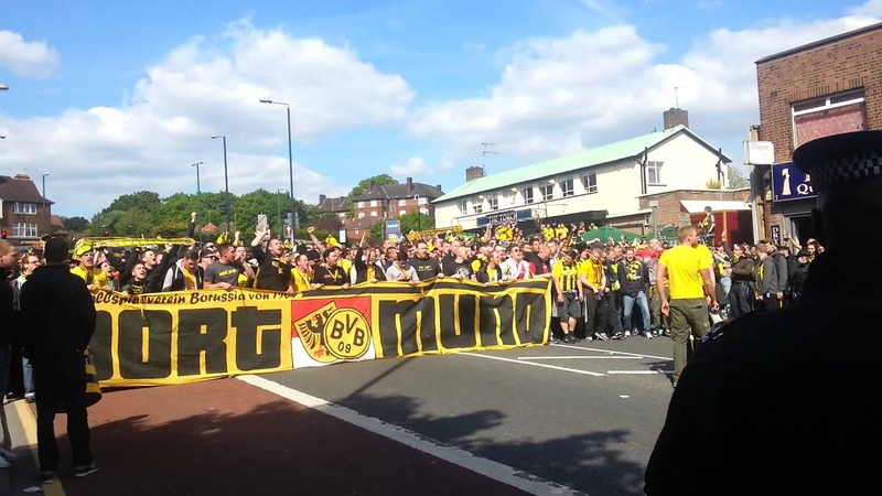 Borussia Dortmund fans pre-champions league final outside Wembley Stadium (HD)