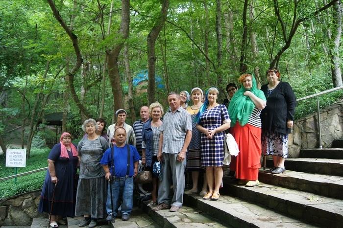 Подопечные Крымского комплексного центра реабилитации инвалидов посетили православный комплекс в хуторе Горном.