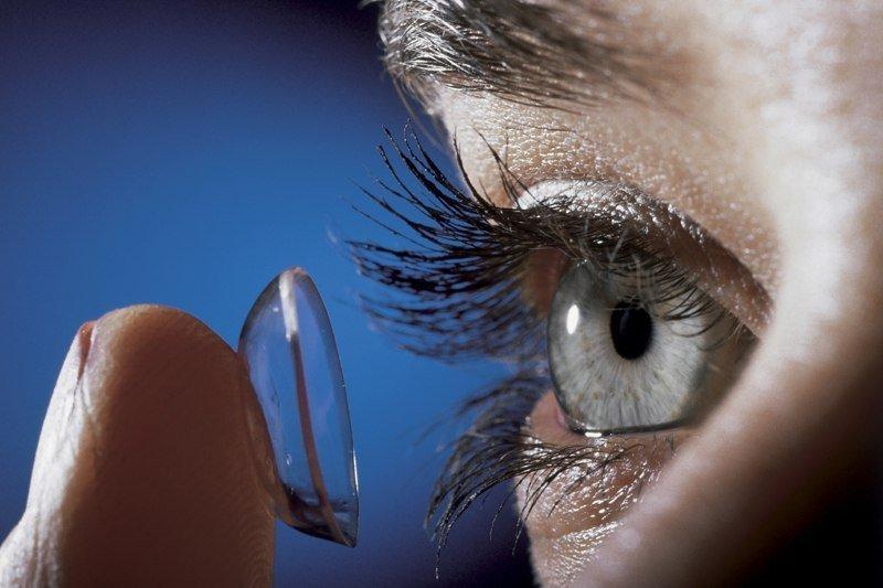 Что учитывать при покупке контактных линз?