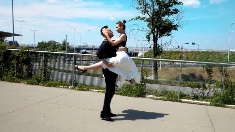 UNIATOWSKI - Każdemu wolno kochać - Pierwszy Taniec