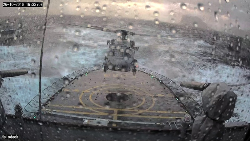 Danish Defence MH-60R Seahawk VERY BAD weather landing