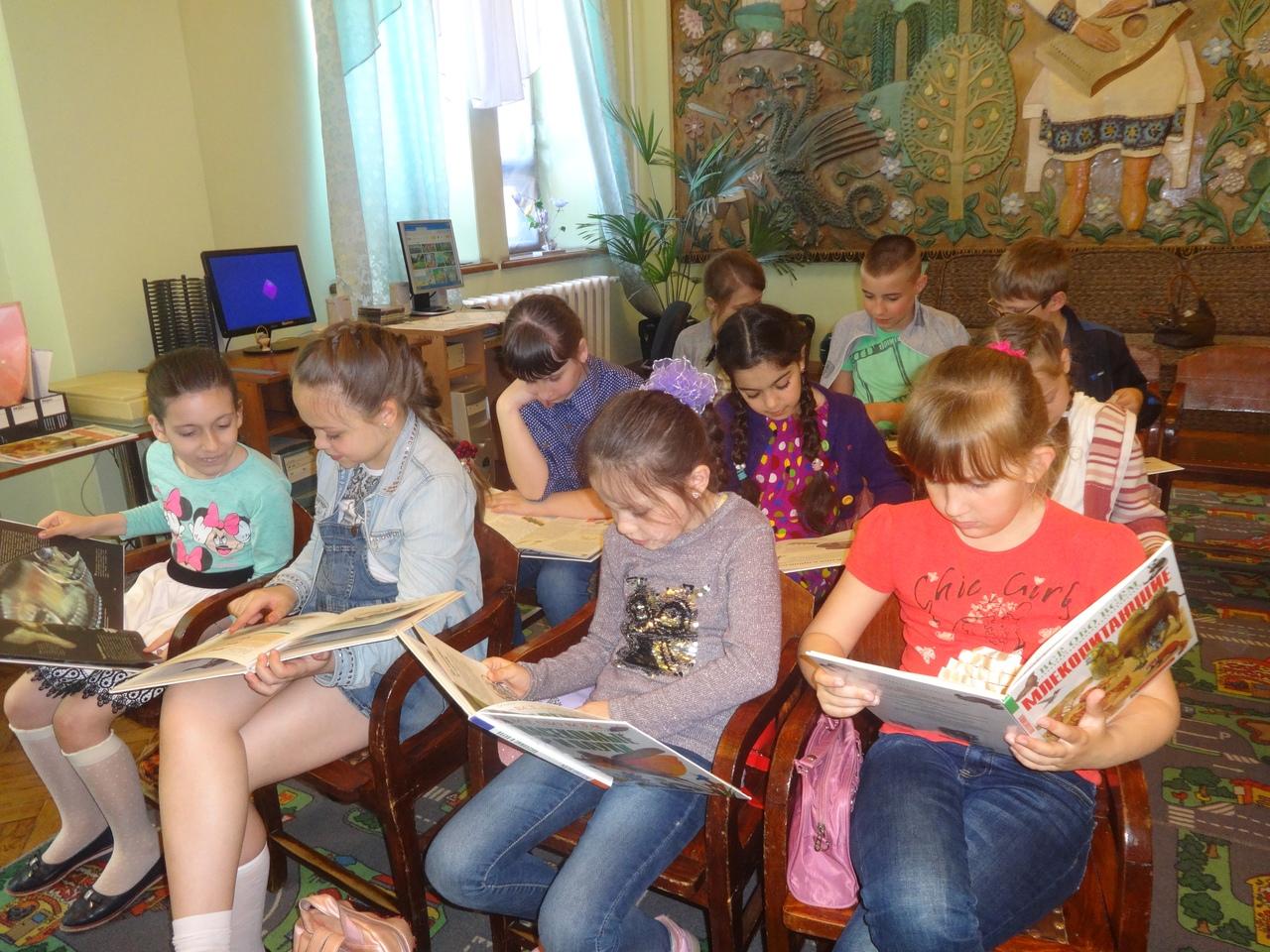 летние каникулы, день открытых дверей в библиотеке, отдел обслуживания дошкольников и учащихся 1-4 классов, донецкая республиканская библиотека для детей