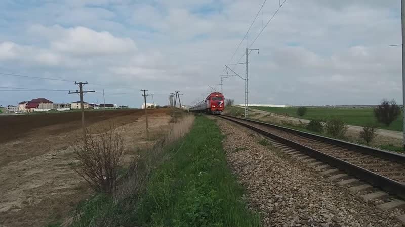 ТЭП70БС-142 с поездом №12