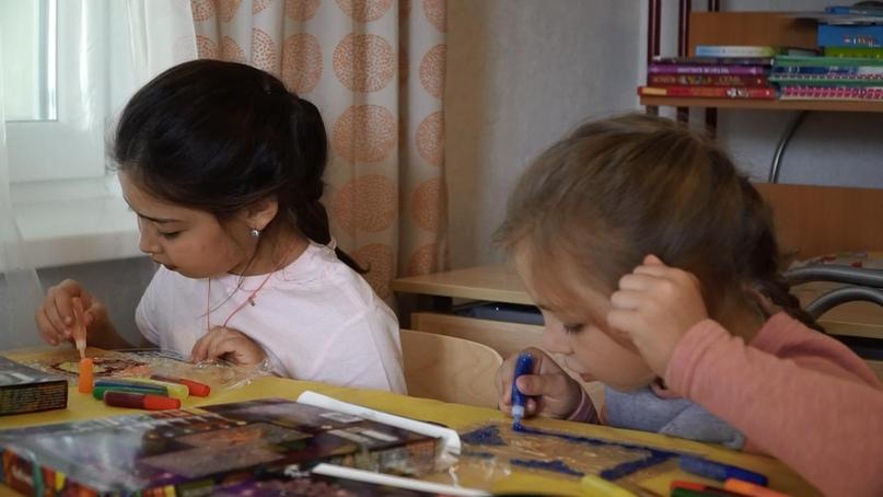 Детская радость. Сотрудники кинокомпании «Союз Маринс Групп» навестили своих маленьких друзей в детском центре «Покров»