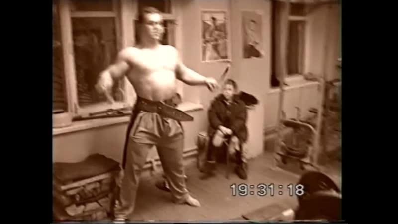 Алексей Серебряков Я в 18 летнем возрасте выполняю становую тягу с весом 260 кг