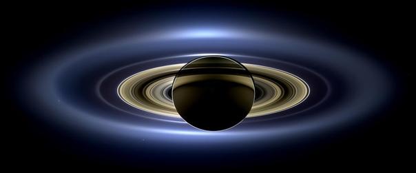 Кольца Сатурна, снятые зондом Кассини, во время солнечного затмения