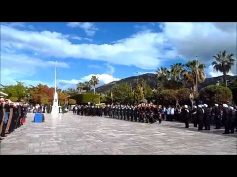 Jueves Santo 2019 ALHAURIN de la TORRE Homenaje a Guardia Civil marcha REAL España 18 04
