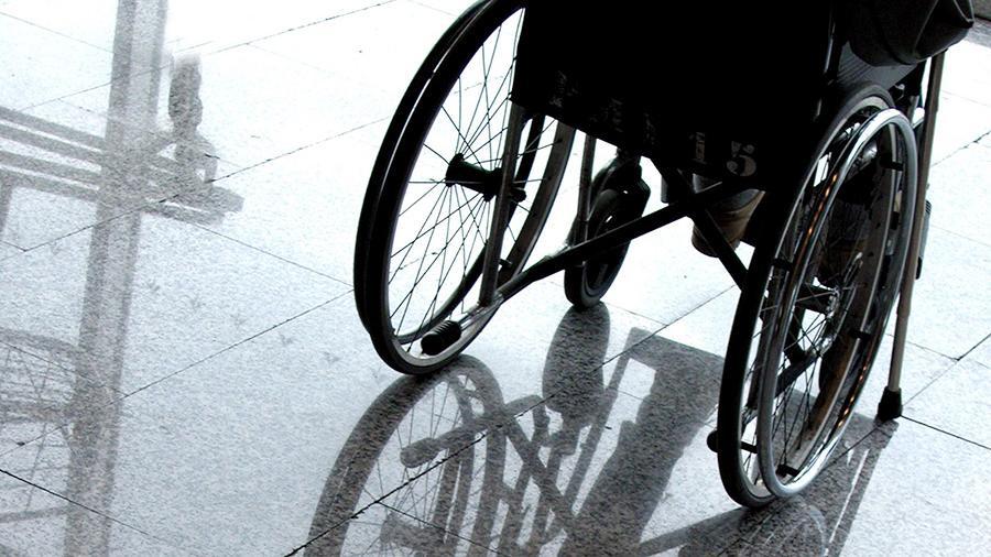 Курский колясочник 12 лет добивался получения электроподъёмника