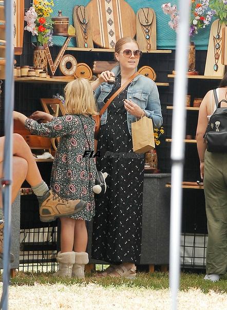 Эми Адамс и Даррен Ле Галло с дочерью Эвианой Напомним, что со своим мужем Дарреном Ле Галло актриса знакома почти 20 лет. Их отношения длятся очень давно, но свадьбу возлюбленные сыграли в