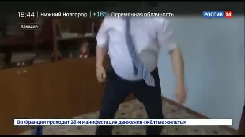 На росії чиновник путіна побив пропагандиста Кремля