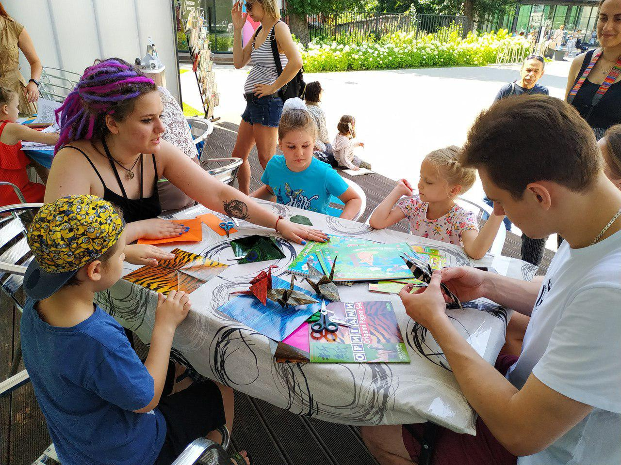 Сотрудники библиотеки № 117 провели мастер-классы в Таганском парке