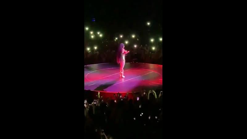 Did it on em at Nicki WRLD Tour, Cologne