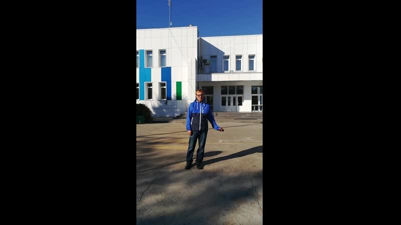 Алексей решил снять себя на видео недалеко от дома творчества в загородном комплексе имени Константина Эдуардовича Циолковского.