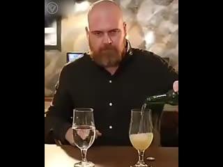 Какая разница звучания между водой и пивом?