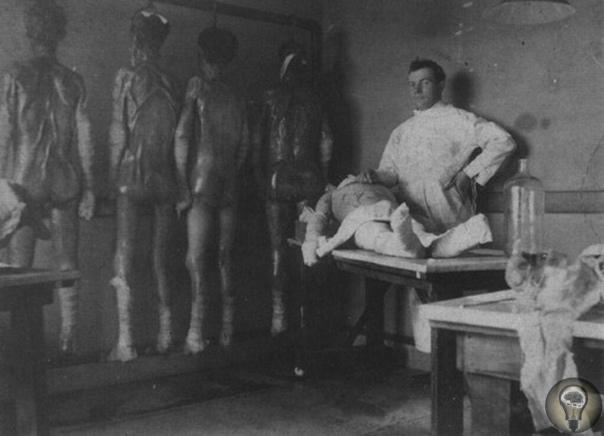 СТРАШНЫЕ ОПЫТЫ Йозеф Менгеле проводил над людьми в КОНЦЛАГЕРЯХ.