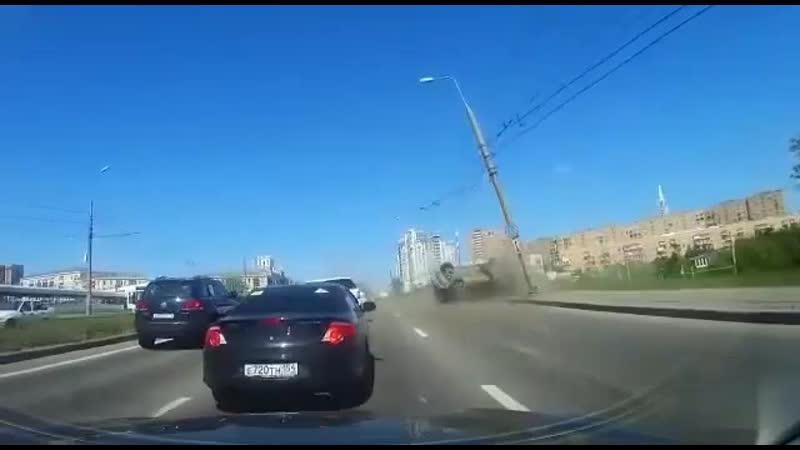 ДТП в Москве напоминает отрывок из топового блокбастера