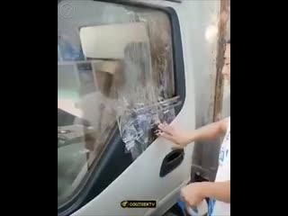 Как открыть стекло в автомобиле