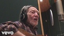Willie Nelson It's Hard to Be Humble Official Music Video