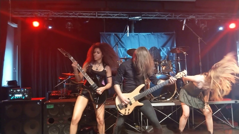 Frozen Crown - Queen Of Blades - live Arci Tom (MN) 26/05/18 Italy