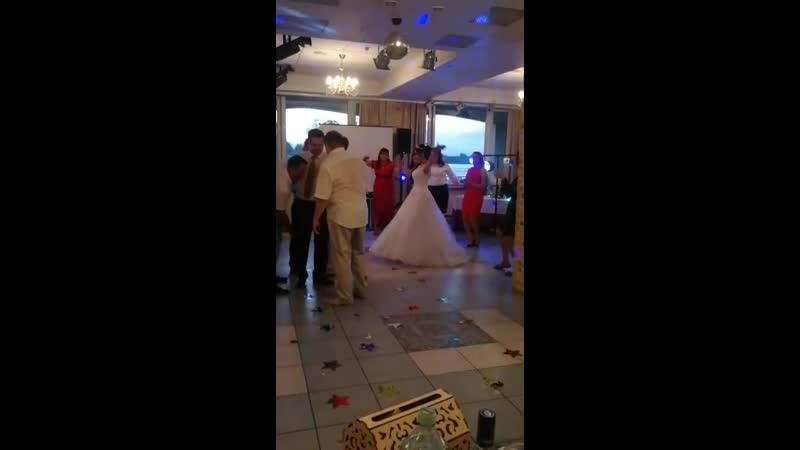 Свадьба очаровательных Екатерины и Алексея в Москве. Конкурс Девичник-мальчишник. Танец для невесты.