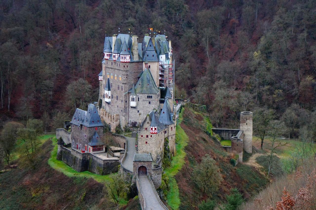 Неприступный замок Эльц