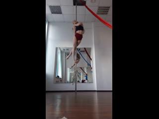 Наталья Андреева. Dynamic pole