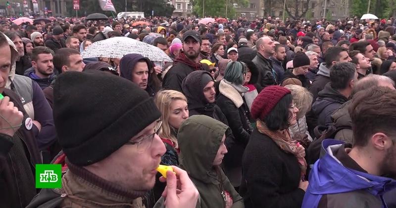 Голодовка и ультиматум сербская оппозиция дала президенту шесть дней