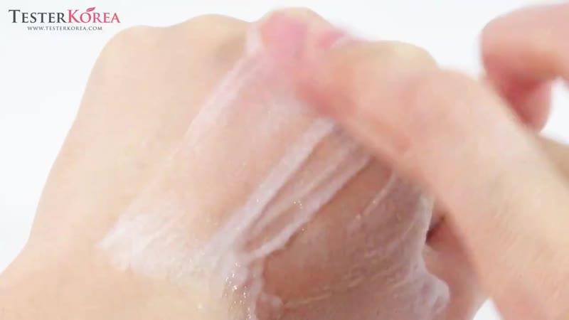 Взято с канала You Tube [TESTERKOREA] ETUDE HOUSE Baking Powder Crunch Pore Scrub 7g24ea