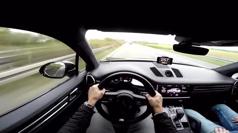 2018 Porsche Cayenne Turbo 301 KM H on AUTOBAHN