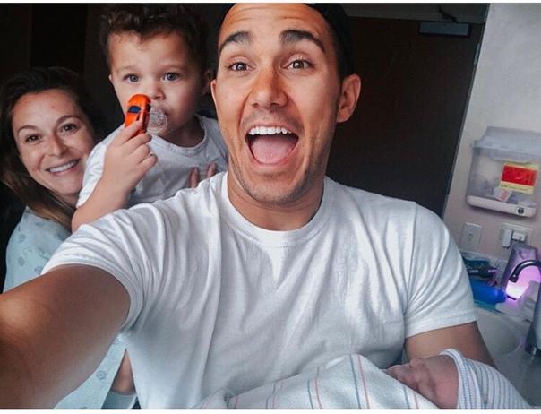 Алекса Вега стала мамой во второй раз: актриса показала первое фото новорожденного Алекса Вега порадовала поклонников замечательной новостью в их семье произошло долгожданное пополнение. Звезда