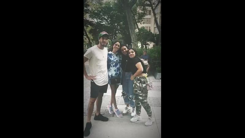 Tini y Seba con fans en NY [22.07.19]