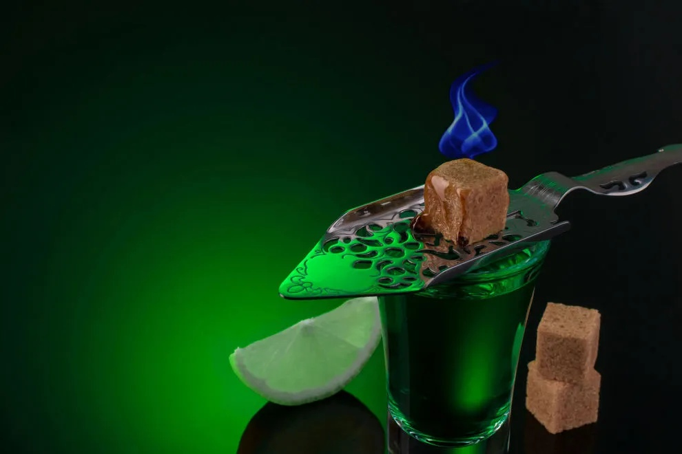 """Домашний абсент: как сделать в домашних условиях """"Зеленую фею"""""""