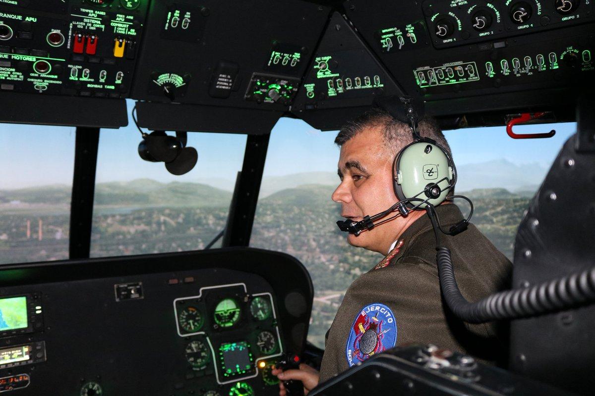 موسكو تفتتح في فنزويلا مركزاً لتدريب طيّاري مروحيات Mi-35M و Mi-17B5,و Mi-26T  ZucnOxPF_Sk