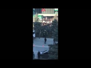 Ингушетия. Ещё одно видео со вчерашнего побоища в #Ингушетия #Магас. Теперь вид сверху.