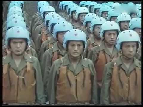 1981年南京鼓楼阅兵纪录片曝光 除了看解放军 34年前的南京风景也令人怀念