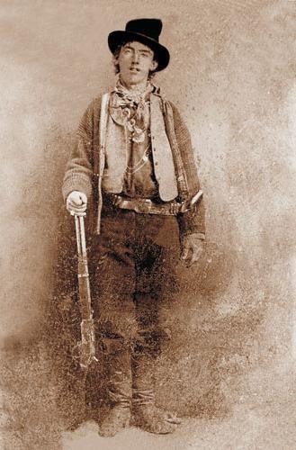 Ещё в 2010 году мужчина по имени Рэнди Гихарро из Фресно, Калифорния, нашёл в лавке старьёвщика старую ферротипную фотографию, которую приобрёл за два доллара