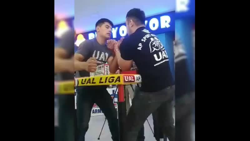 UAL -2019.04 Armfight