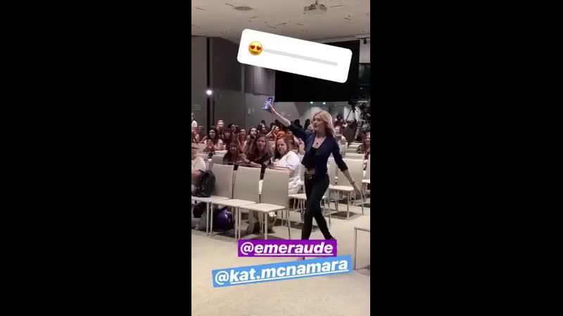 Kat and Emeraude during their panel earlier today @EmeraudeToubia @Kat McNamara ITAInstituteCon3 Shadowhunters via @Kinetic V