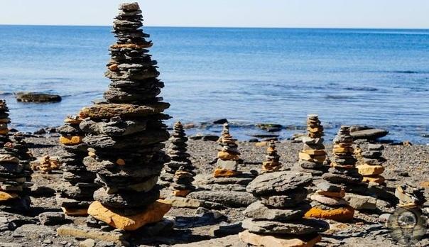 Причудливые каменные «пирамидки» на мысе Вятлина во Владивостоке