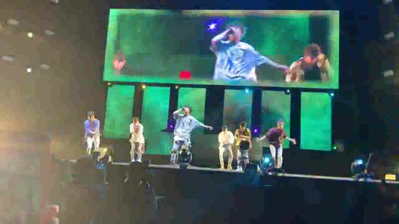 [FANCAM] 190421 iKON - Love Scenario on Festival Skechers Sundown 2019 (3)