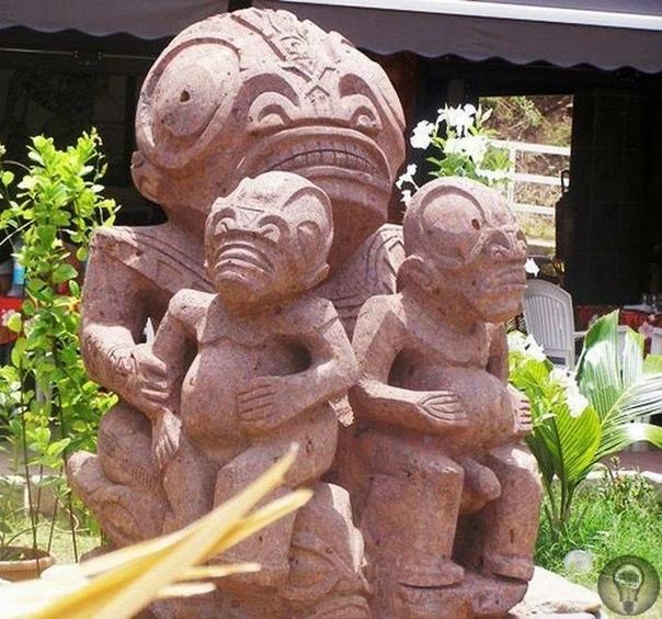 Статуи острова Нуку-Хива Остров Нуку-Хиву является одним из крупных атоллов Французской Полинезии.Примечателен он загадочными статуями неизвестного происхождения.Название острова переводится как