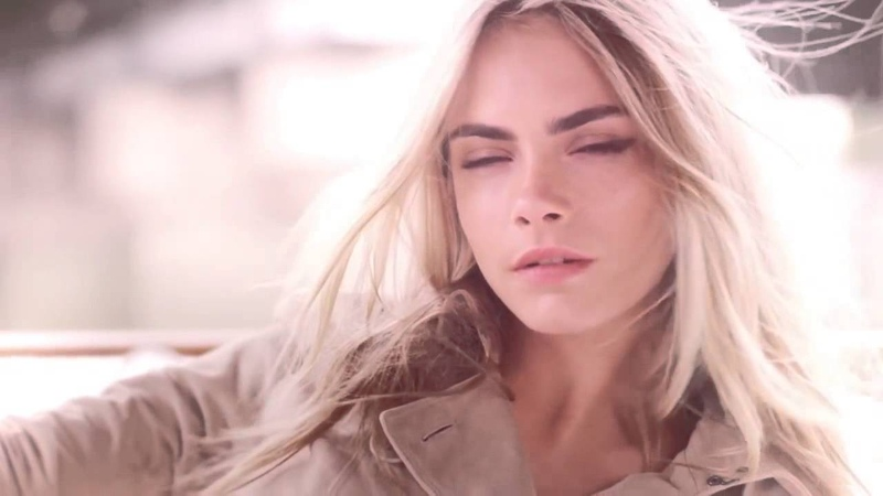 Кара Делевинь в рекламе Burberry Burberry Body Tender The Campaign Featuring Cara Delevingne