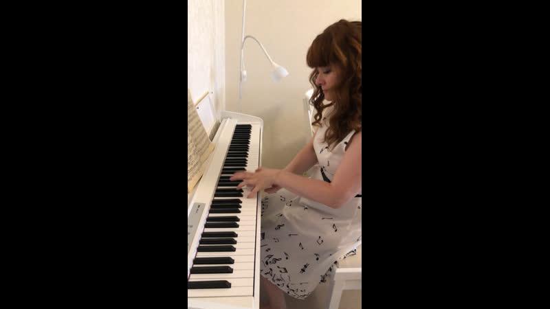 Жизнь как фортепиано Белые клавиши это любовь и счастье Черные грусть и печаль