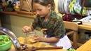 Вкусно с мамой Олей Зелёный салат Ребенок на кухне