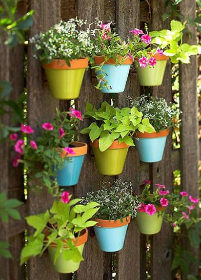 подвесные горшочки с цветами
