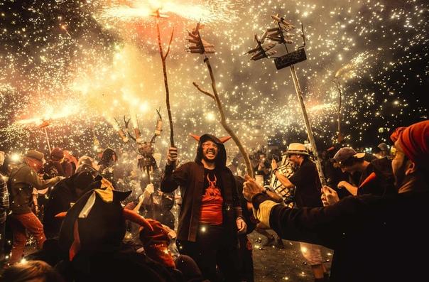 Крупнейший фестиваль Барселоны Фиеста-де-Грасия отмечается в августе в районе Грасия