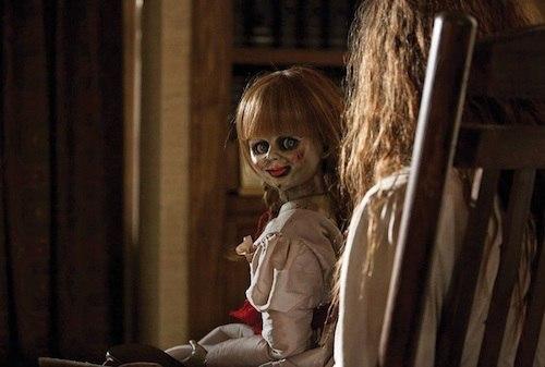 ЛИККА-ЧАН Одна девочка переехала в далекий город. Перед отъездом ей пришлось избавиться от куклы Ликки-чан, которая с раннего детства была ей очень дорога. Она со слезами на глазах выбросила