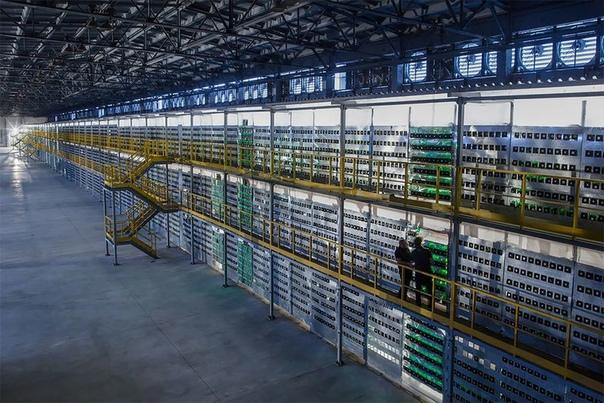 Удивительные снимки крупнейшей в России «шахты биткоинов» На севере России, в суровом морозном краю располагается Bitriver один из самых масштабных центров обработки данных и производства
