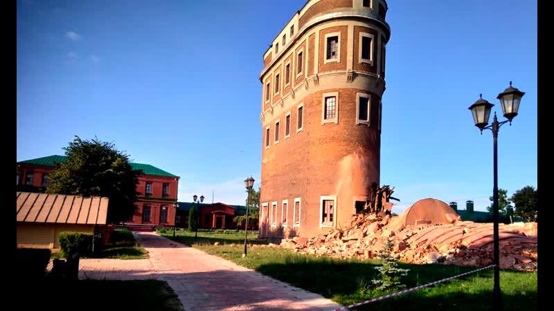В поселке Лев Толстой рухнула водонапорная башня