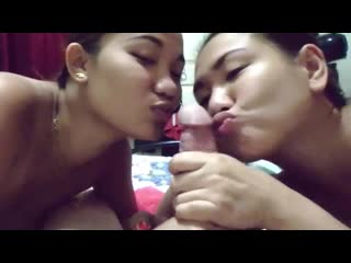 Filipina granny showing her sexy body naked on cam